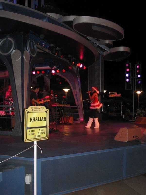 Khaliah_Disneyland
